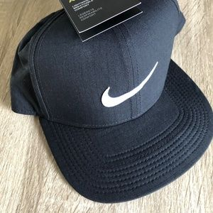Nike Golf Aerobill Pro Cap DRI-FIT Unisex Hat One